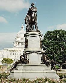 1887; Garfield-monument
