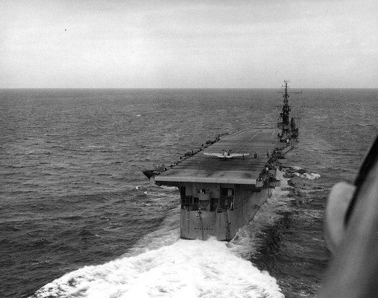 1974 USS_Monterey_(CVL-26)_in_Gulf_of_Mexico