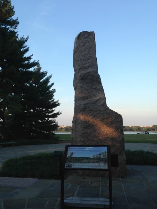 1976 lyndon memorial