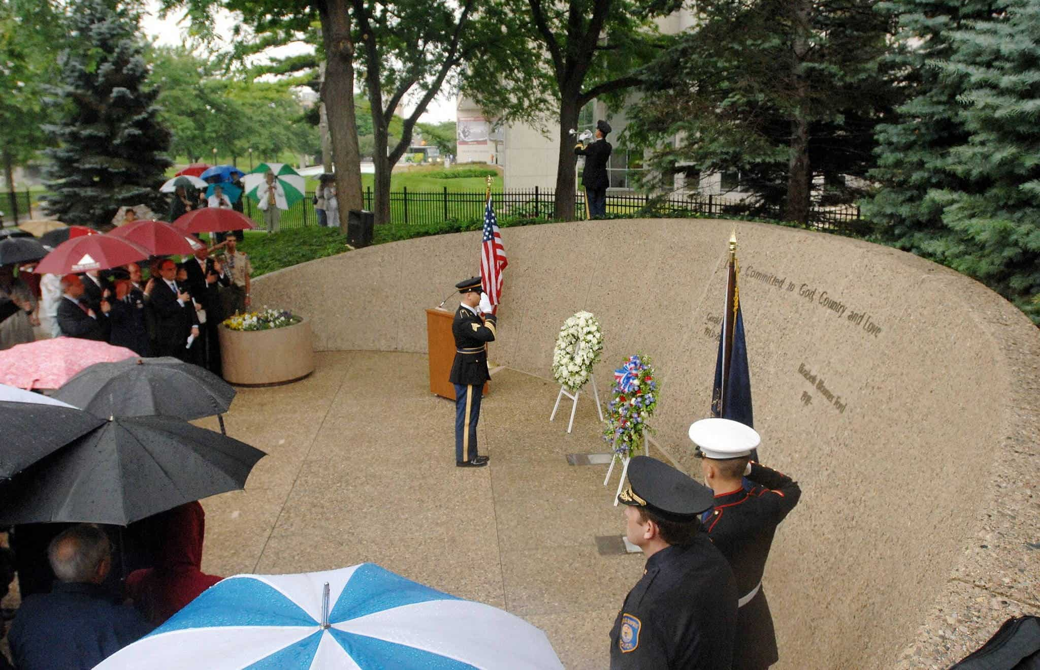 2006; gerald ford tomb