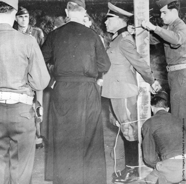 1944; Nazi officer EXECUTION