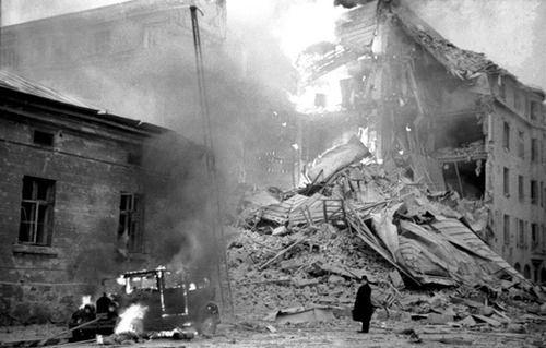 1939; HELSINKI BOMBED