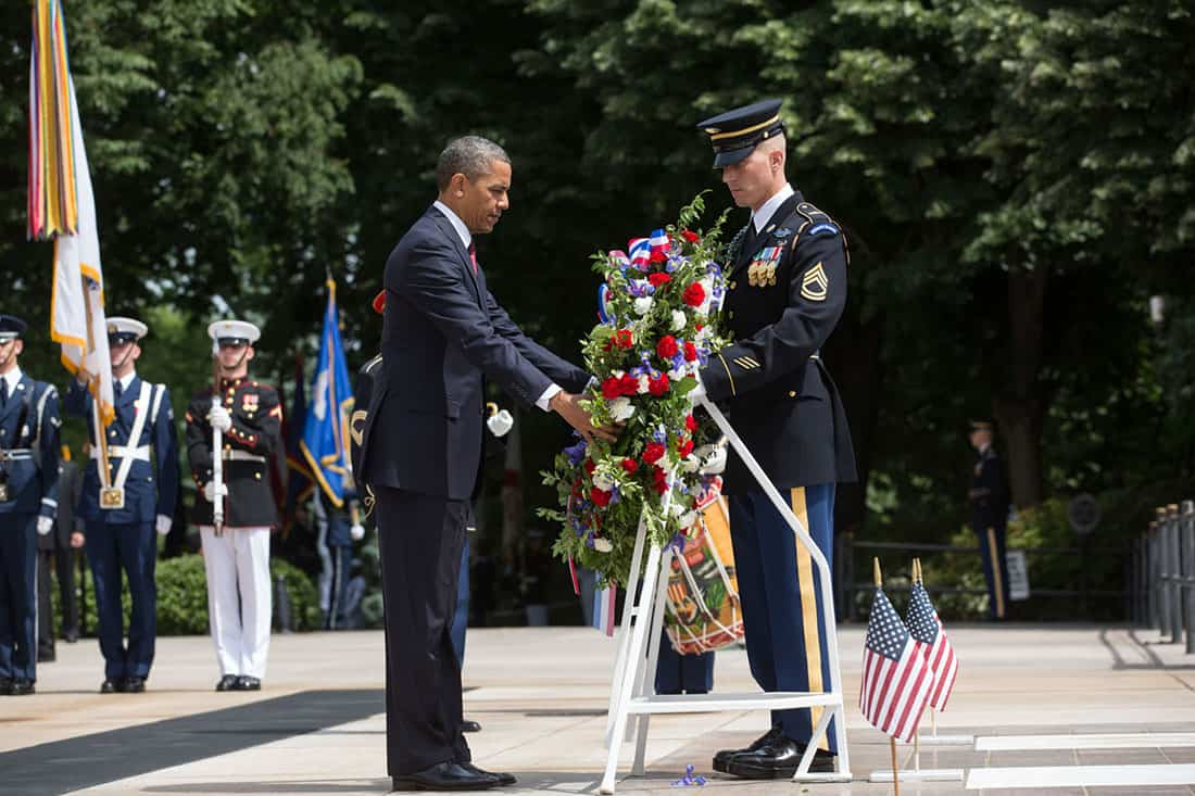 2014; OBAMA LAYING WREATH AT TOMB OF UNKNOWN SOLDIER