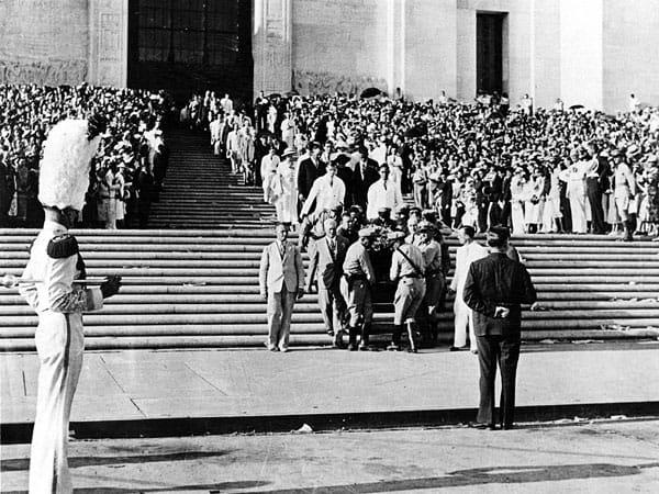 1935; long funeral